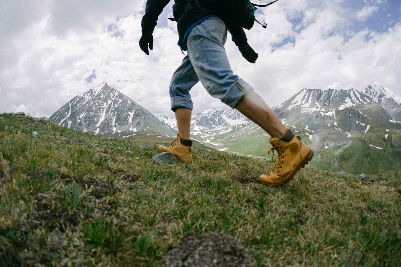 How to choose hiking boots - Mountain Equipment